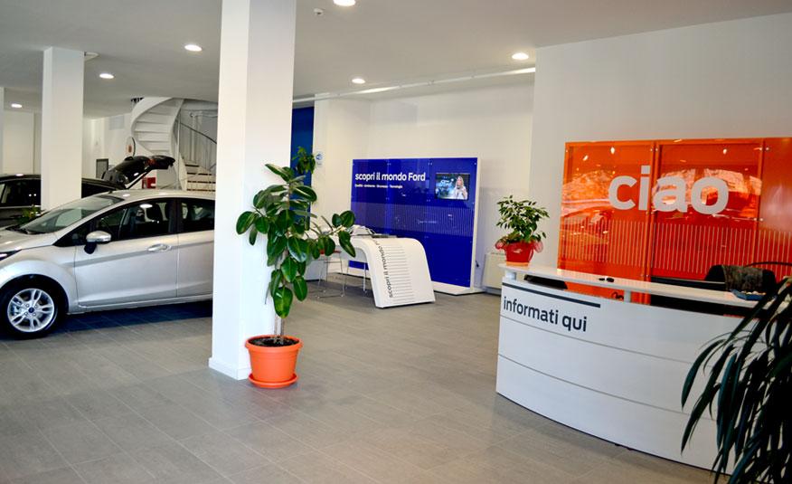 esterni sede di Autosala ad Atena Lucana (SA)